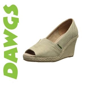 DAWGS Canvas Wedges NWT